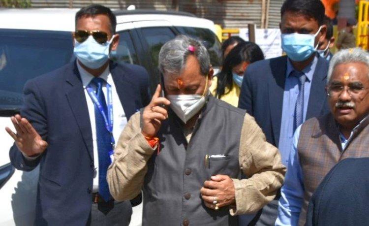 बिग ब्रेकिंग :  सीएम तीरथ को अचानक आया दिल्ली से बुलावा, ये हो सकती है वजह