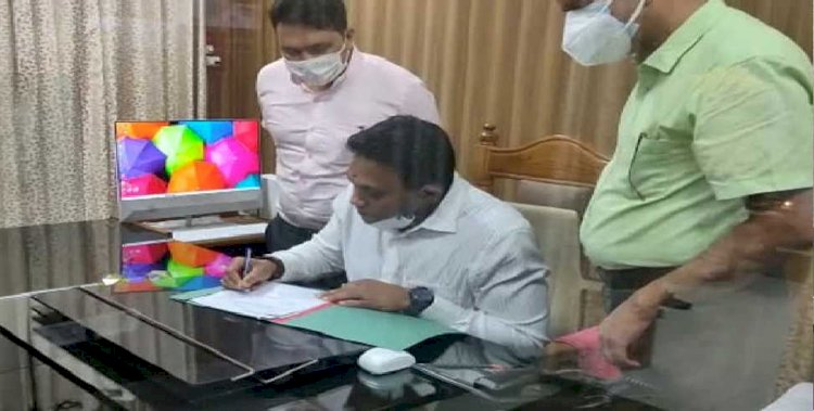 डा० आर. राजेश कुमार ने किया देहरादून के डीएम का पदभार ग्रहण
